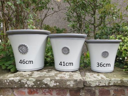 Elegant Round Fluted Plant Pot in White and Grey 36cm Diamater