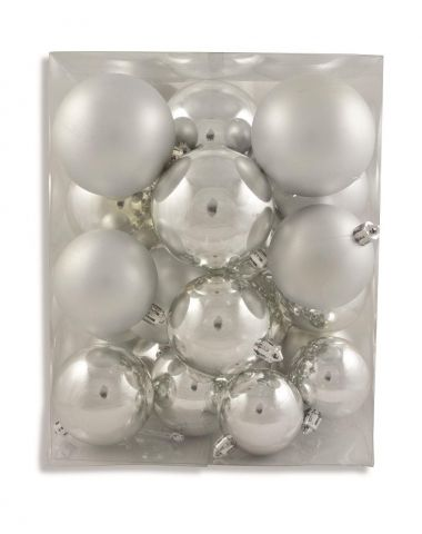 Outdoor Silver Baubles Value Pack.  Contains 31 in  Matt and Gloss, 5, 6 & 7cm