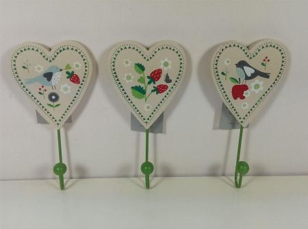 Gisela Graham Summer Garden Wooden Heart Wall Hooks x 3