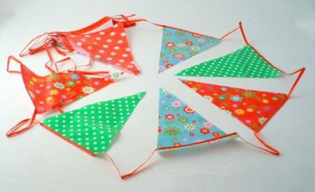 Vintage Style Bunting with 20 flags. 2 x 10m