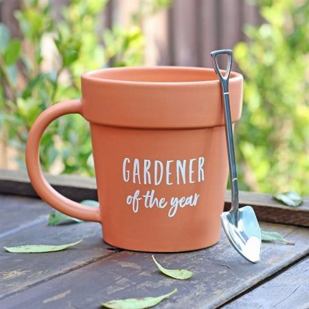 Gardener of the Year terracotta mug with spade spoon. Gift Set