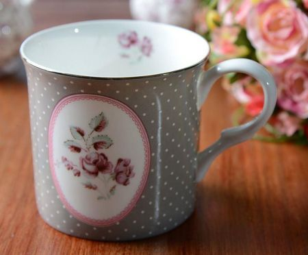 Katie Alice Palace Mug with Oval Motif. Chintz design