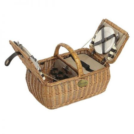 Dorothy Willow Picnic Hamper. 4 Person Dining Set