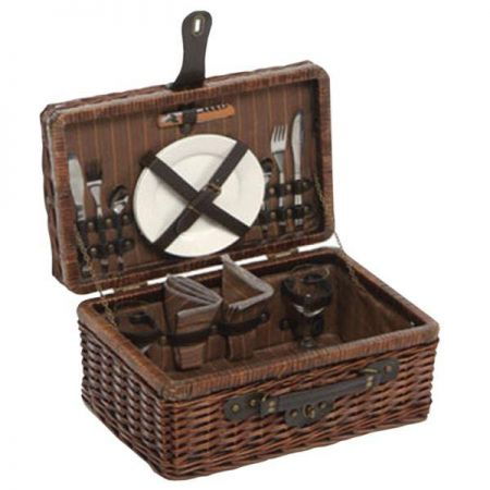 Romantic Willow Picnic Hamper. 2 Person Dining Set