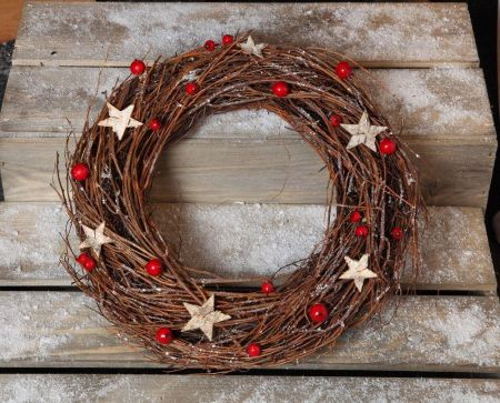 Christmas Glitter RattanTwiggy Berry Wreath with Bark Stars. 35cm