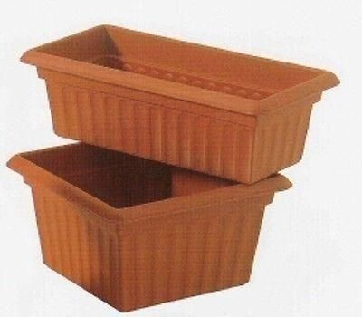 Square planting pot / planter. Terracotta plastic. Frostproof. 34cm