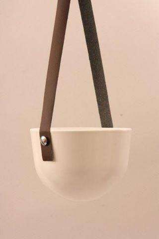 Contemporary White Ceramic Hanging Plant Pot Planter.  22cm Diameter (60534)