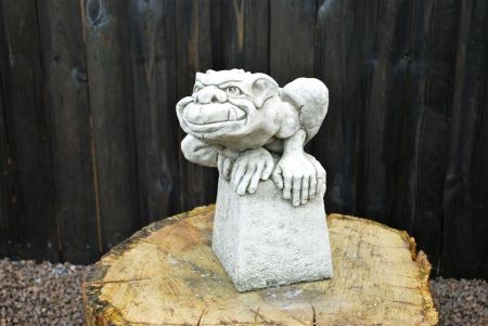 Large Troll Garden Ornament. Reconstituted stone.  Superb Details. GG9