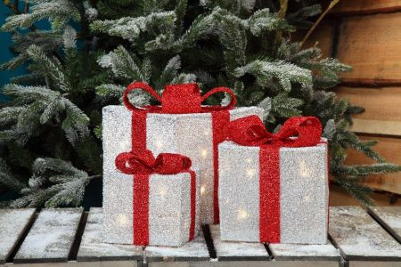 White Tinsel Wrapped Presents with 35 LED Lights - Set of 3. 15, 20 & 25cm