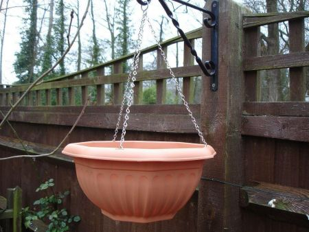 Round Hanging pot/planter with chains Terracotta coloured plastic 30cm wide