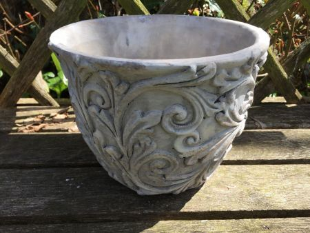 Acanthus Leaf Stone Planter Pot for the Garden or Indoors. 20cm Dia