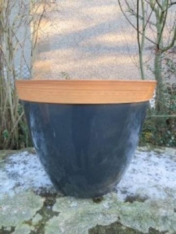 Provence plant pot  plastic planter in GREY. 34cm Diameter