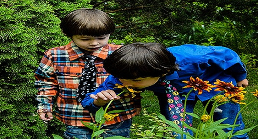 10 Ways to get kids out into the garden this spring
