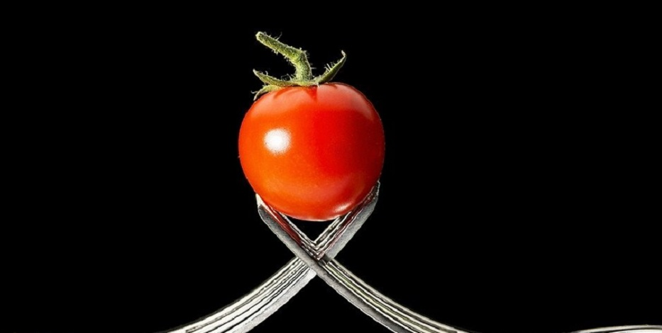 On your toes, get set... GROW - tomatoes! But why shouldn't you grow them from standard fruit seed?
