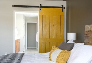Yellow door, decorating in a home colour