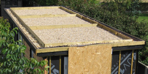 Upstand for green roof