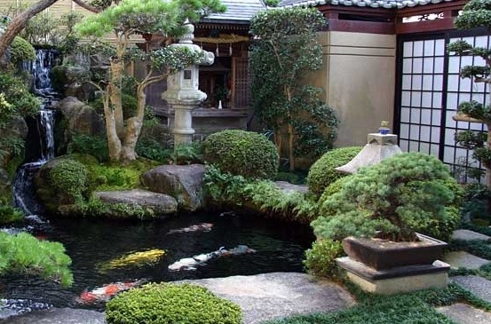 Why do we love japanese garden design it 39 s all about the for Japanese garden bushes