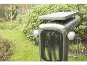 quirky, tractor table, garden, seating, sitting, sit, gardening, table and chairs,