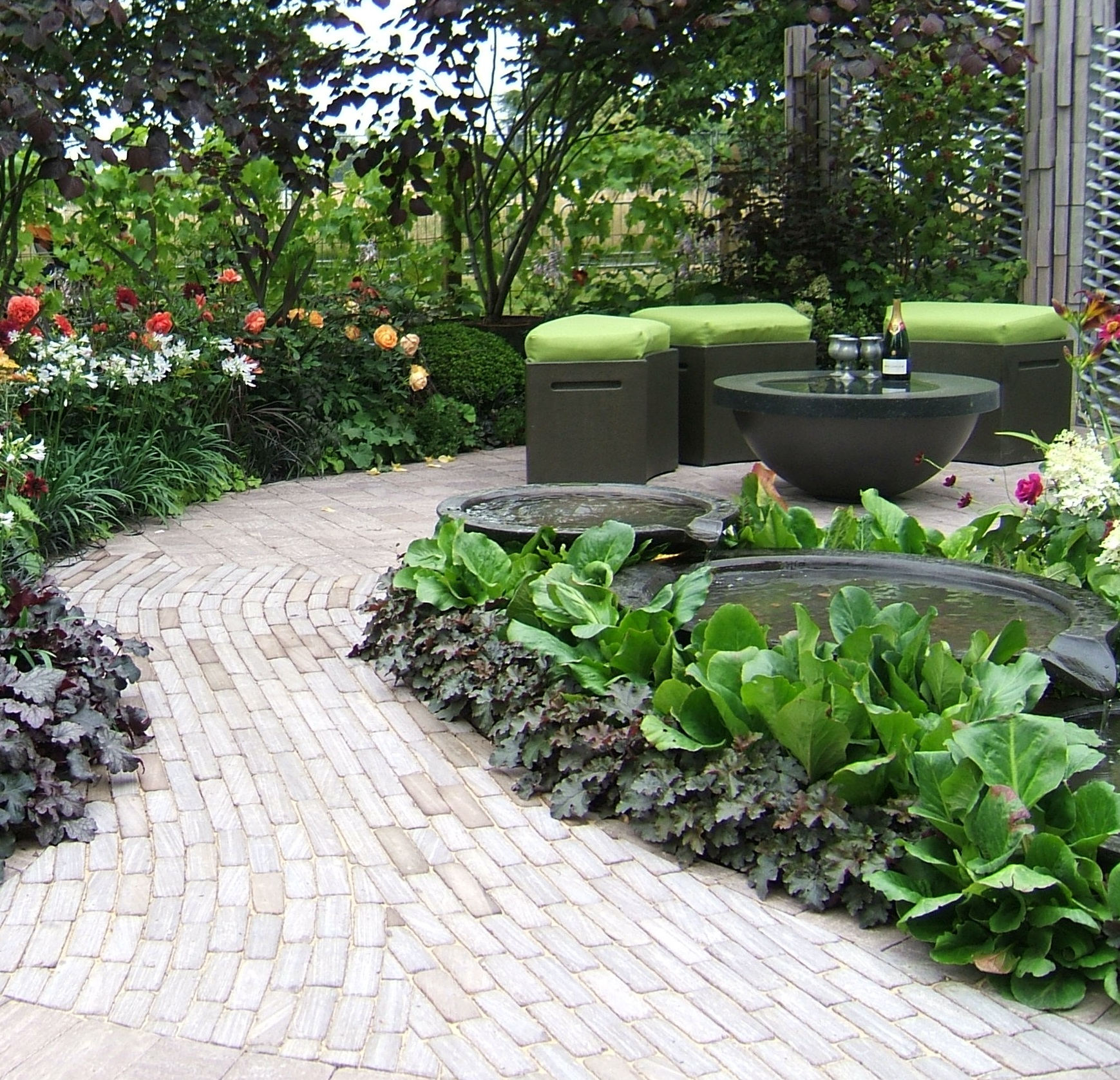Why have a pond or water feature in your garden perfect for Patio water garden