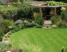circular lawn, garden, small garden, garden design, path, garden path, creating interest in a garden,