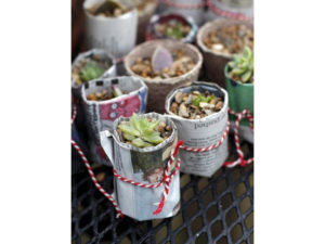 pot maker using recycled newspaper